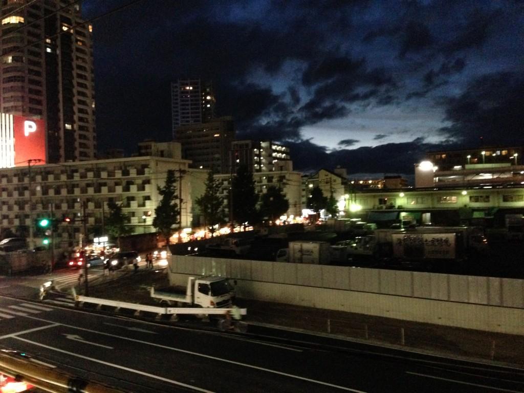 福岡市中央卸売市場沿いの屋台が立ち並ぶ一帯。