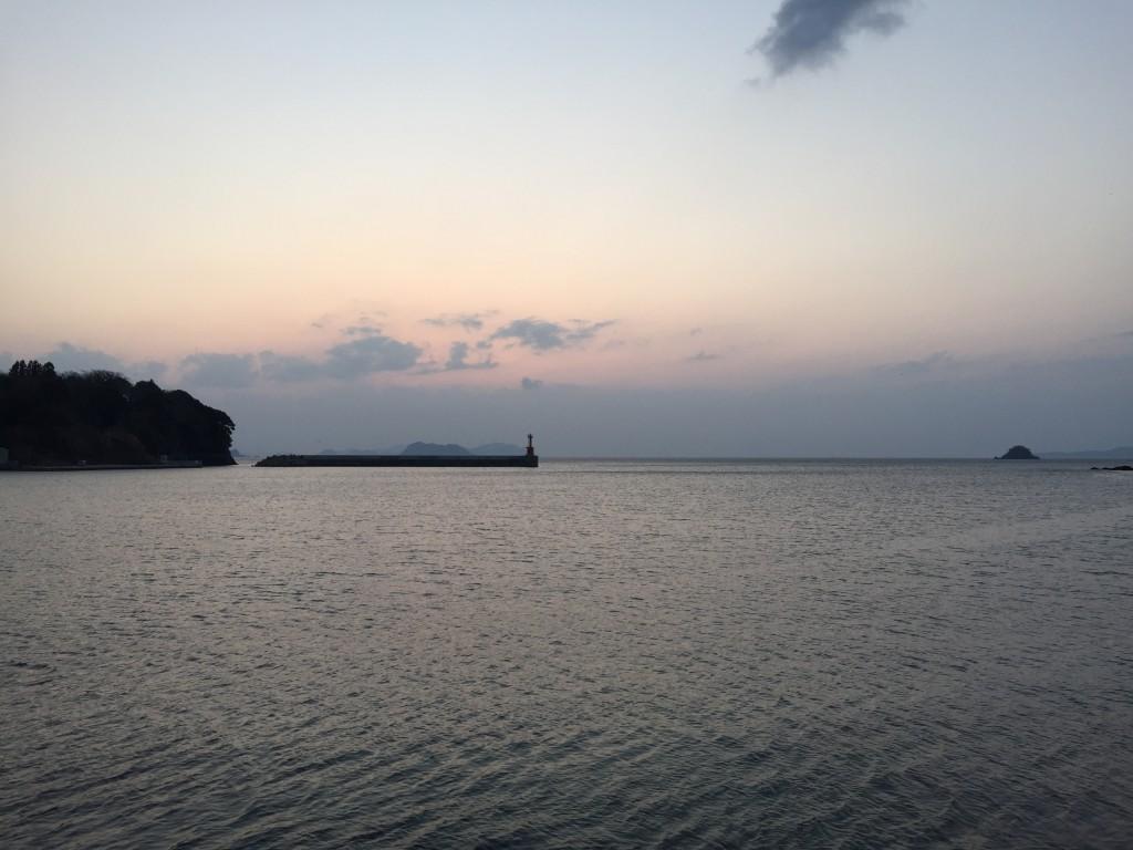 日本海のサンセットを眺める。