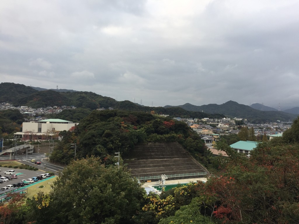 関見台公園からの眺め。長府の町を見おろす。