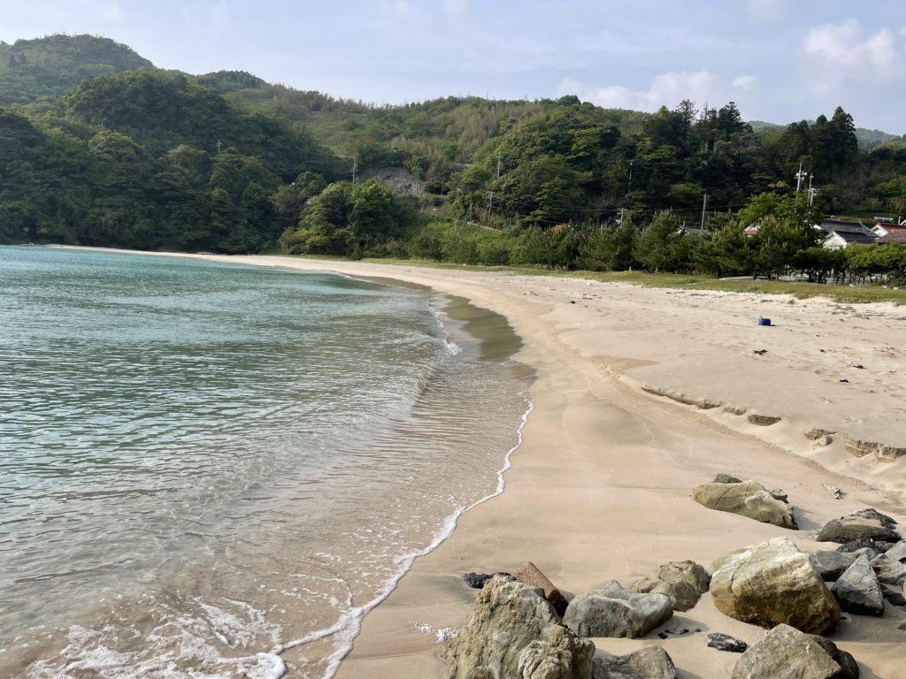 笹子海岸。綺麗な砂浜に海がきれい。